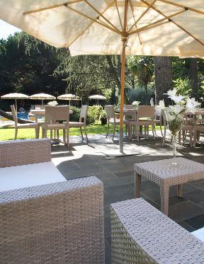 Piscina hotel villa delle rose rp hotels - Piscina san giuliano milanese ...