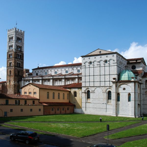 lucca-1062927_1920