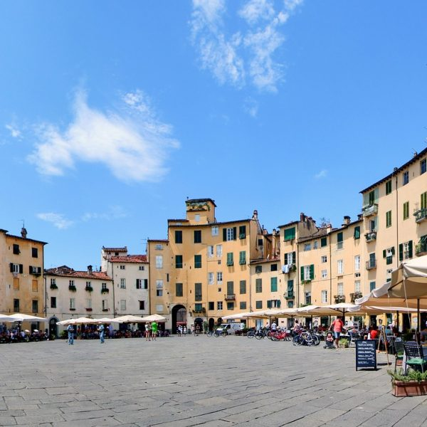 lucca-1097366_1920
